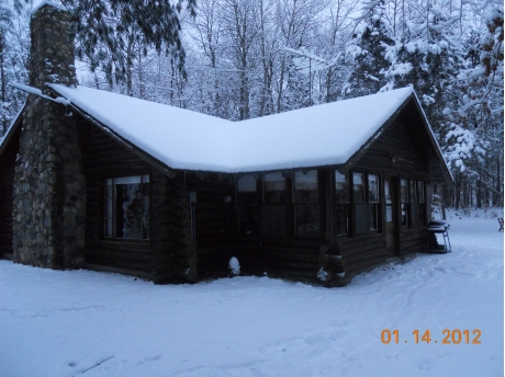 Cabin facing the White River