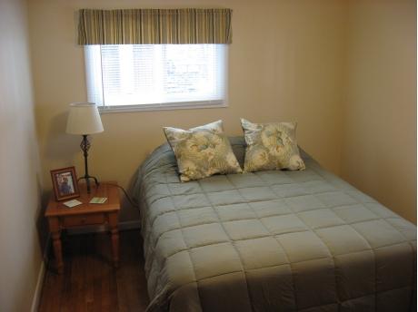1st bedrom -queen bed.