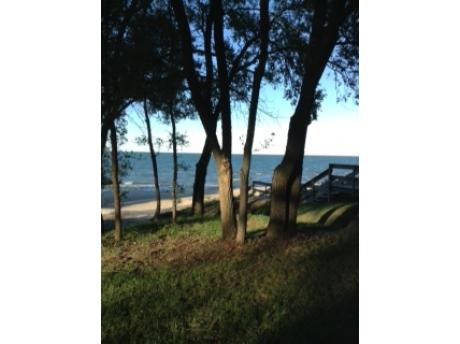 Philp Park Steps to Beach