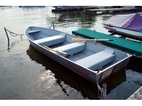 Row boat that is included with the rental