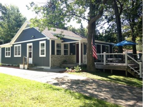Peachy Caseville Mi Vacation Rental Murphy Cottage Year Round Interior Design Ideas Gentotryabchikinfo