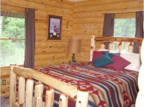 Queen size Bed in Master bedroom on main floor