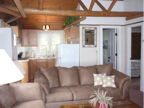 Cottage D: Living room