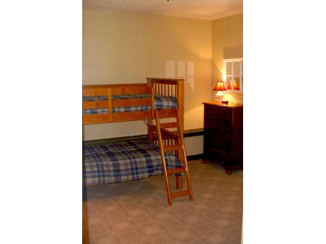 Two bedrooms have bunk beds