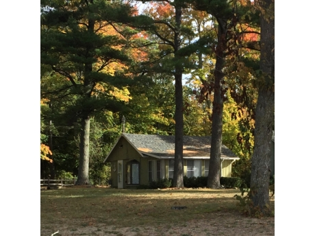 Cottage A: Fall Color Change