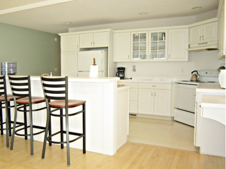 Clean and neat fully equipped open kitchen