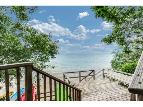 Lake Michigan access at Lakeshore Drive