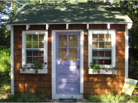 The Getaway exclusive use queen bed cabin