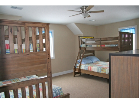 Upper floor bunk room, 2 Twin over Full beds