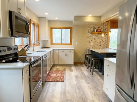 New Kitchen 2019 with Snack Bar