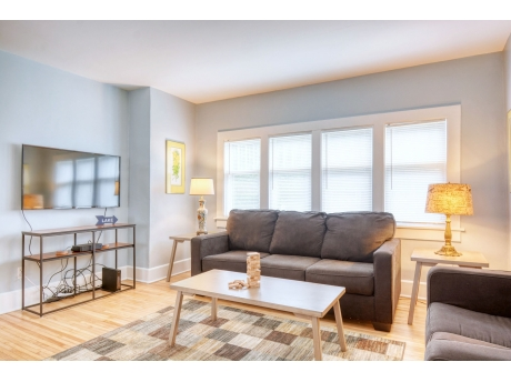 Bright and Welcoming Living Room with 2 Sofa Sleepers