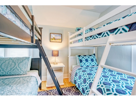 Bunk Room with 2 Twin Bunk beds