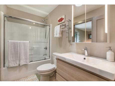 Full Bathroom with a Shower/Tub Combo