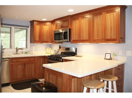 Fully Equipped Kitchen with Snack bar and dining off the Kitchen