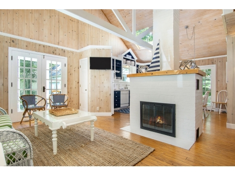 Open Floor Plan with Soaring Ceilings (Fireplace not for use)