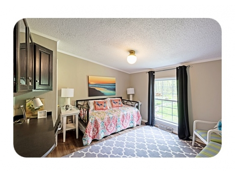 Guest Bedroom with Twin Day bed and Trundle 