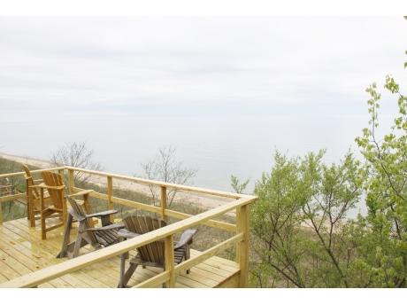 Bluff side deck overlooking Lake Michigan beach