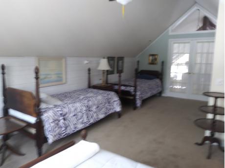 upstairs master suite