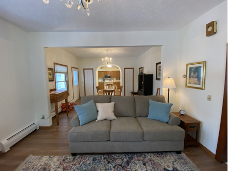 LIVING ROOM AREA GREAT TV AND READING AREA