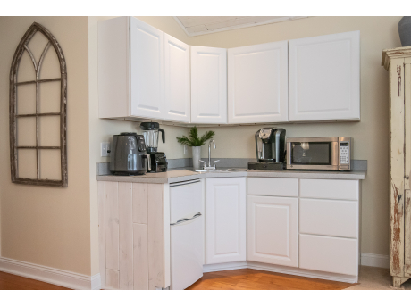 Kitchenette with everything you need!