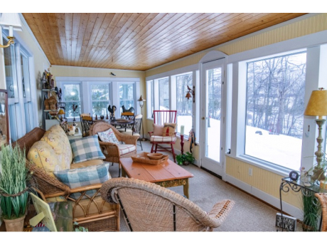 Our guests will have access to enclosed porch with dining area.  Spectacular view of Lake Charlevoix!
