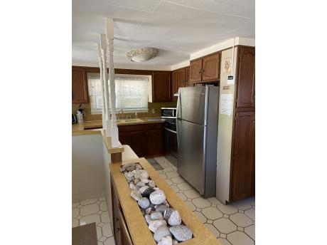 Cottage E Kitchen