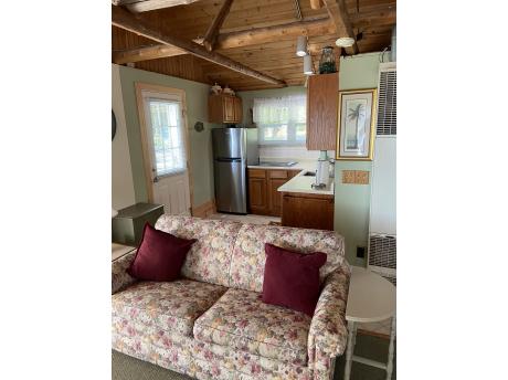 Cottage A: Kitchen